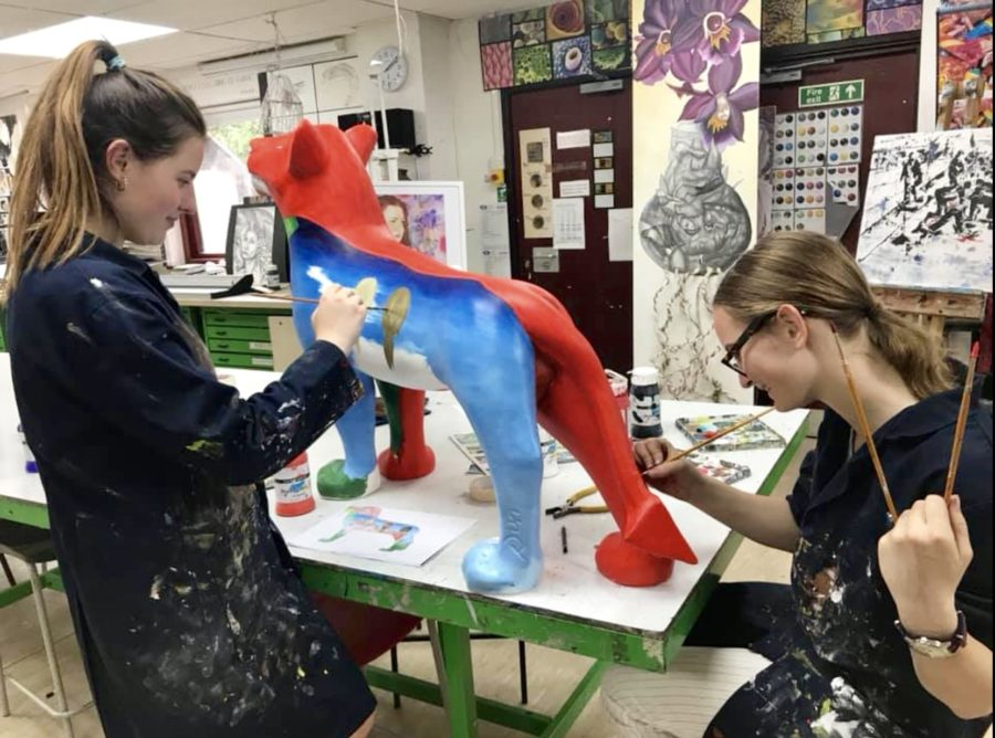 Talented artists & designers flying in from around the world to paint lions!